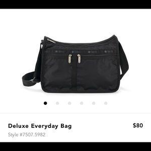 🎉PRICE DROP🎉Black Lesportsac Everday Bag
